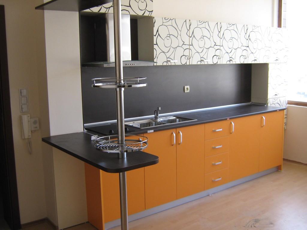 Кухня с рисувани вратички