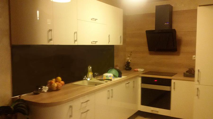 Кухня по проект с извити вратички