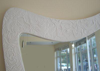 Дизайнерско огледало с ръчно направена релефна рисунка