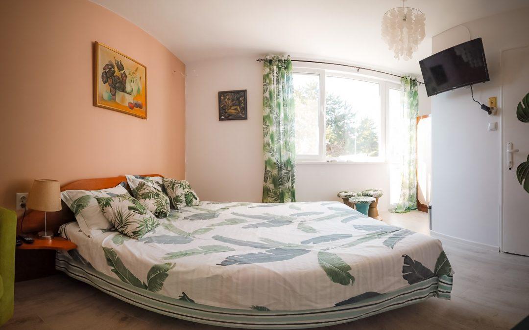Цялостен интериорен интериор и редизайн на къща за гости, стая Tropicana