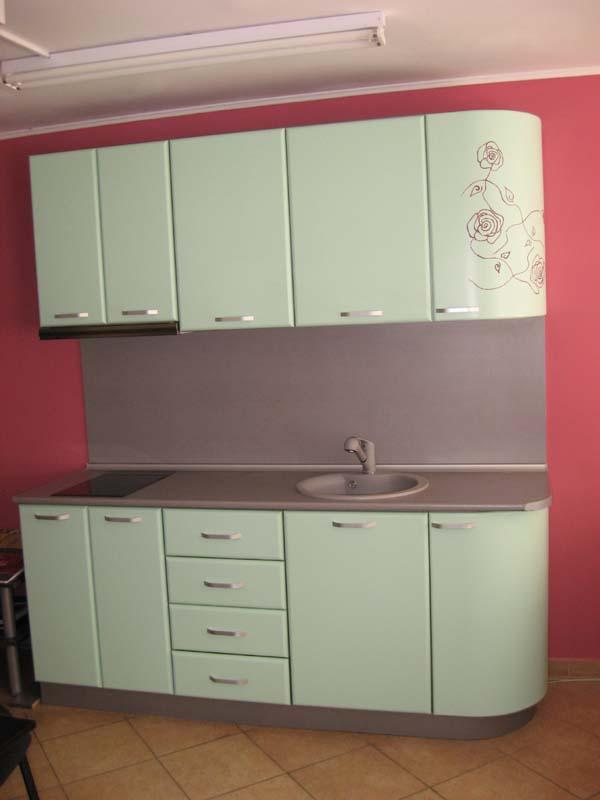 Кухня с рисувани елементи
