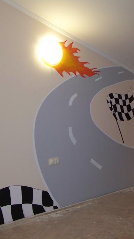 Рисунка на стена в детска стая