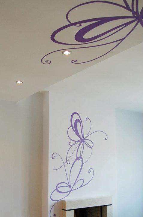 Рисунка на стена и таван