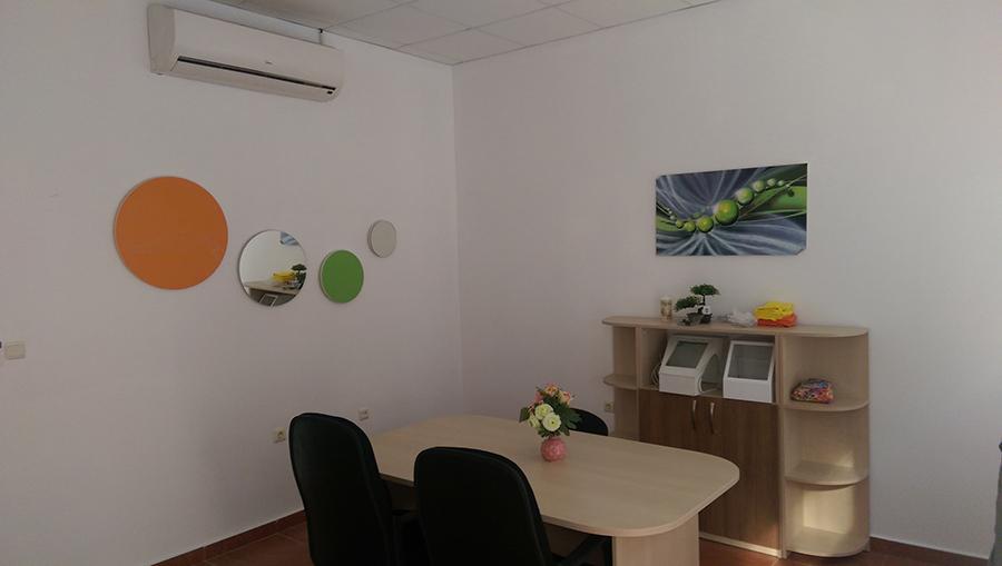 Изработка на пана и офис обзавеждане
