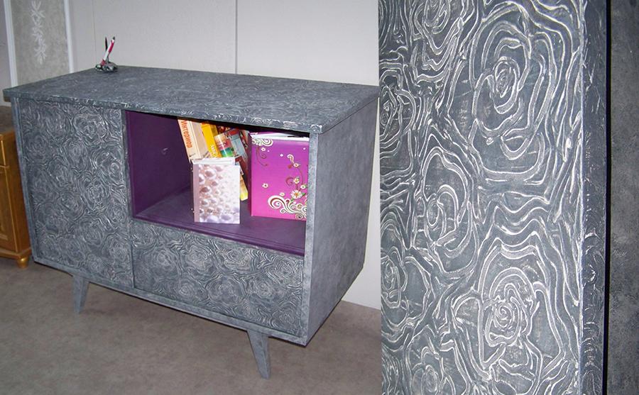 Изработка на ефектен шкаф с релефни рисунки