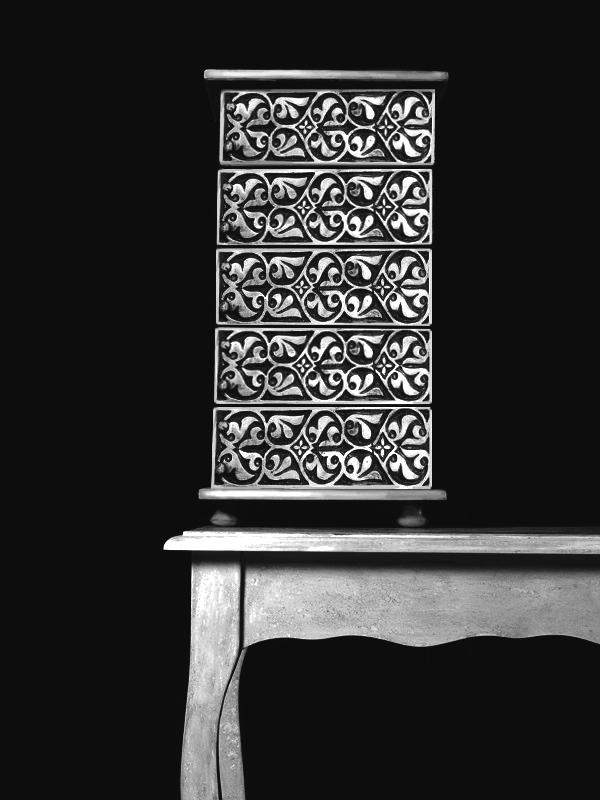 Рисуван шкаф с прабългарски мотиви