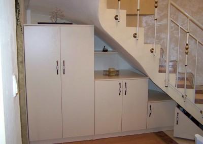 Проектиране и изработка на нестандартни мебели