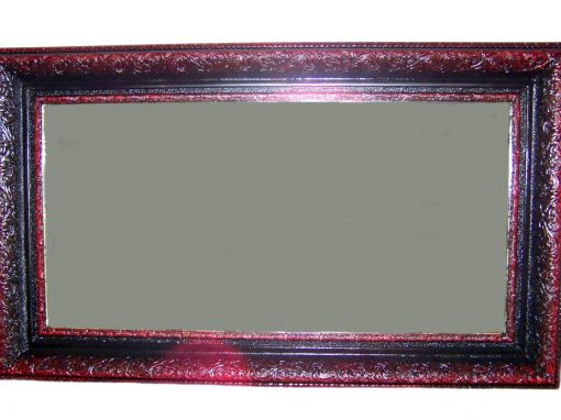 Огледало с рисувана релефна рамка